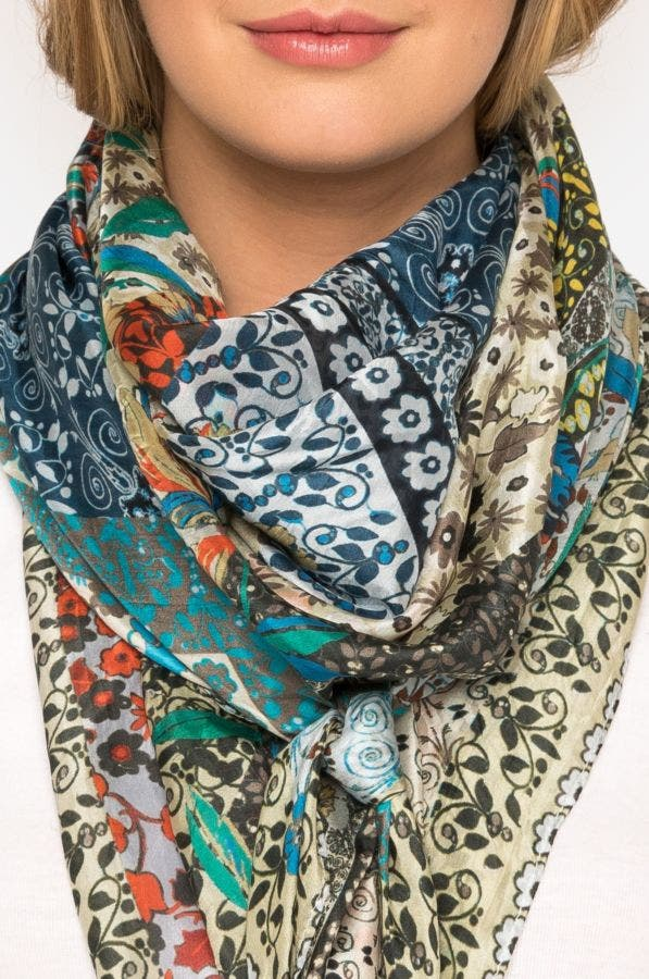 Voloom Scarf