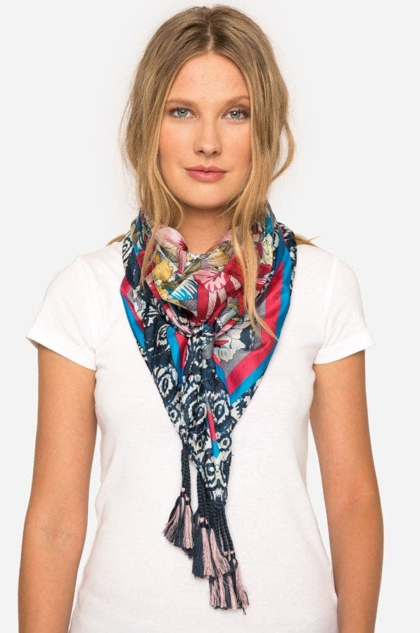 VACATION SCARF