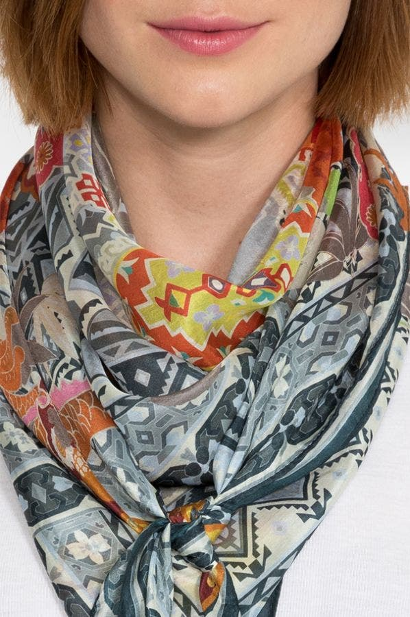 DRALION SCARF