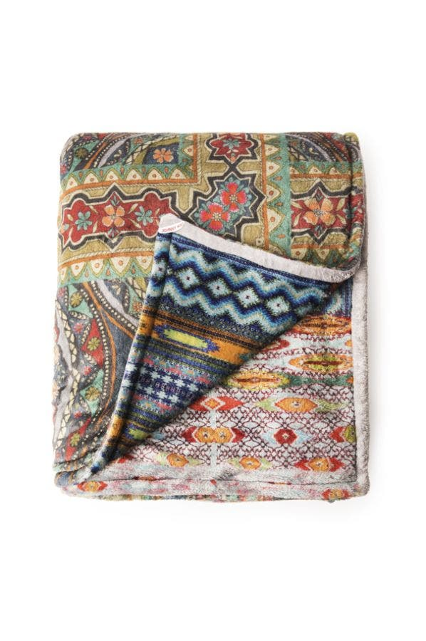 PATCHWORK COZY BLANKET