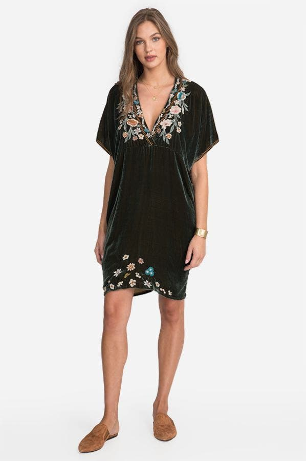 SERAFINA VELVET EFFORTLESS KAFTAN DRESS