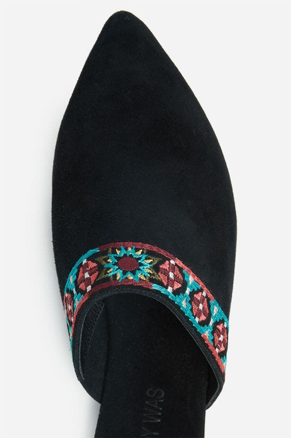 EMBROIDERED MULE