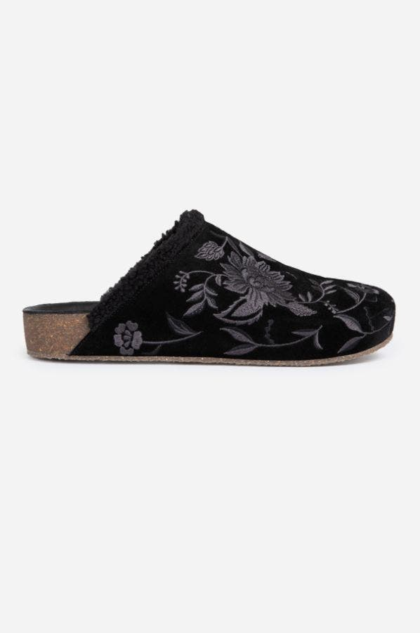 TONAL EMBROIDERED SHERPA SLIDE