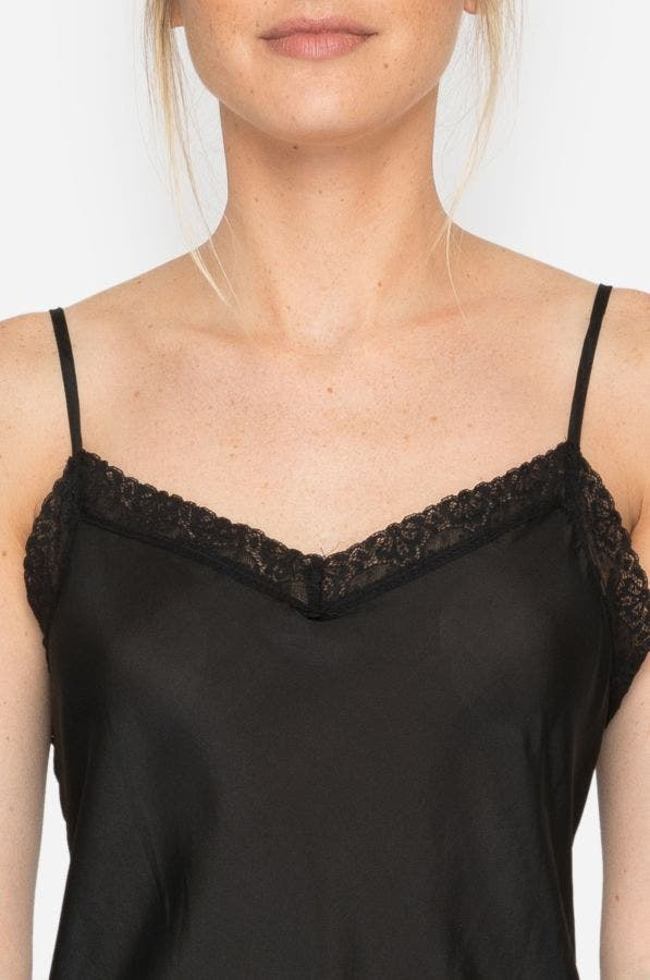MEDIUM SLIP WITH LACE