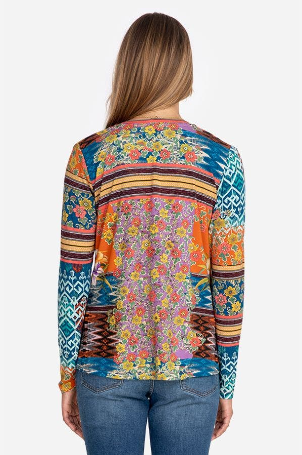 ALLIE FLOWER FAVORITE LONG SLEEVE V-NECK TEE