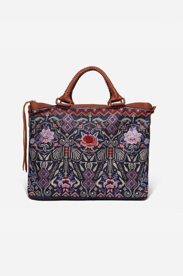 AMARYNTH OVERNIGHT TOTE
