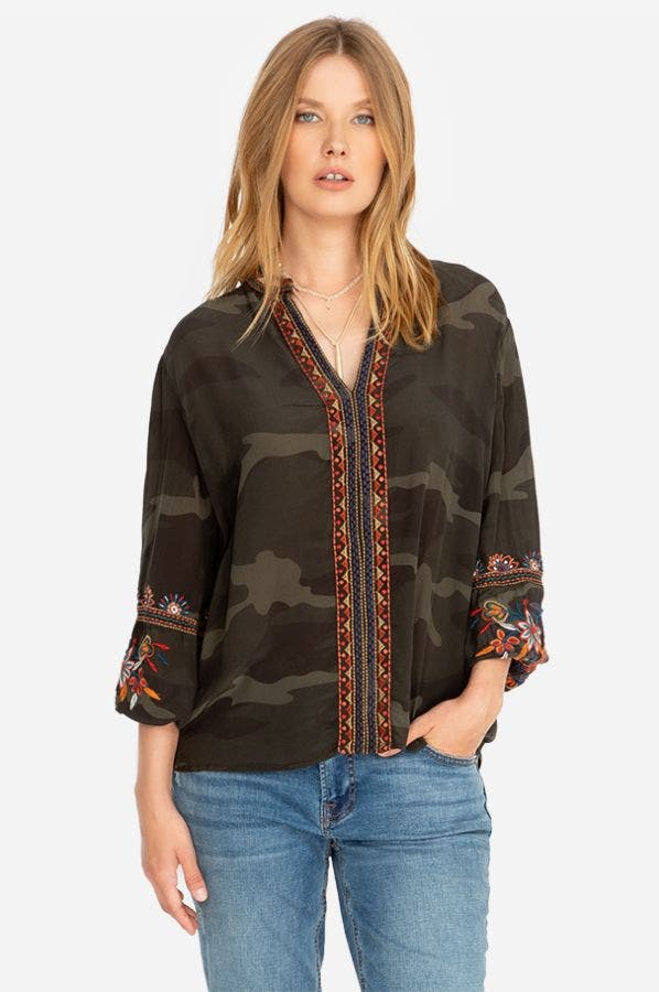 LAILANI PARIS EFFORTLESS BLOUSE