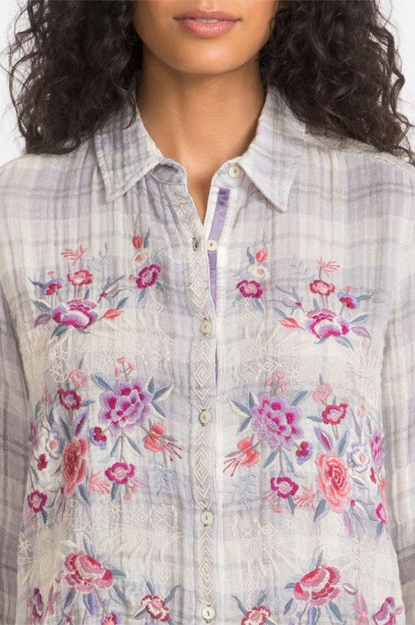 CAELYNN BUTTON BACK SHIRT