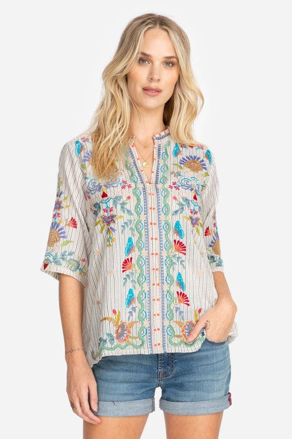 ARZELLA EASY V-NECK TOP